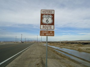 Historic US 6 marker on Sierra Highway northbound just before left turn to CA 14 to Mojave. Sierra Highway continues on to a dead end, and one can see where it used to run, before CA 14 took its place.
